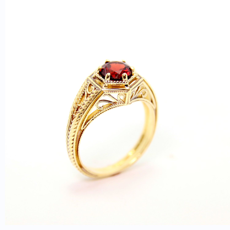 14k Yellow Gold Garnet Ring - Baltinester Jewelry