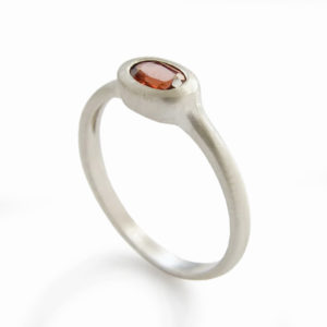 Minimal Sterling Silver and Oval Garnet Ring - Baltinester Jewelry